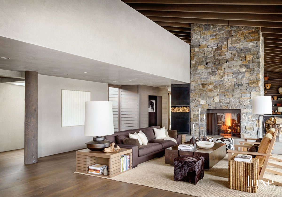 Neutrals Mix With Grays In Modern Montana Home