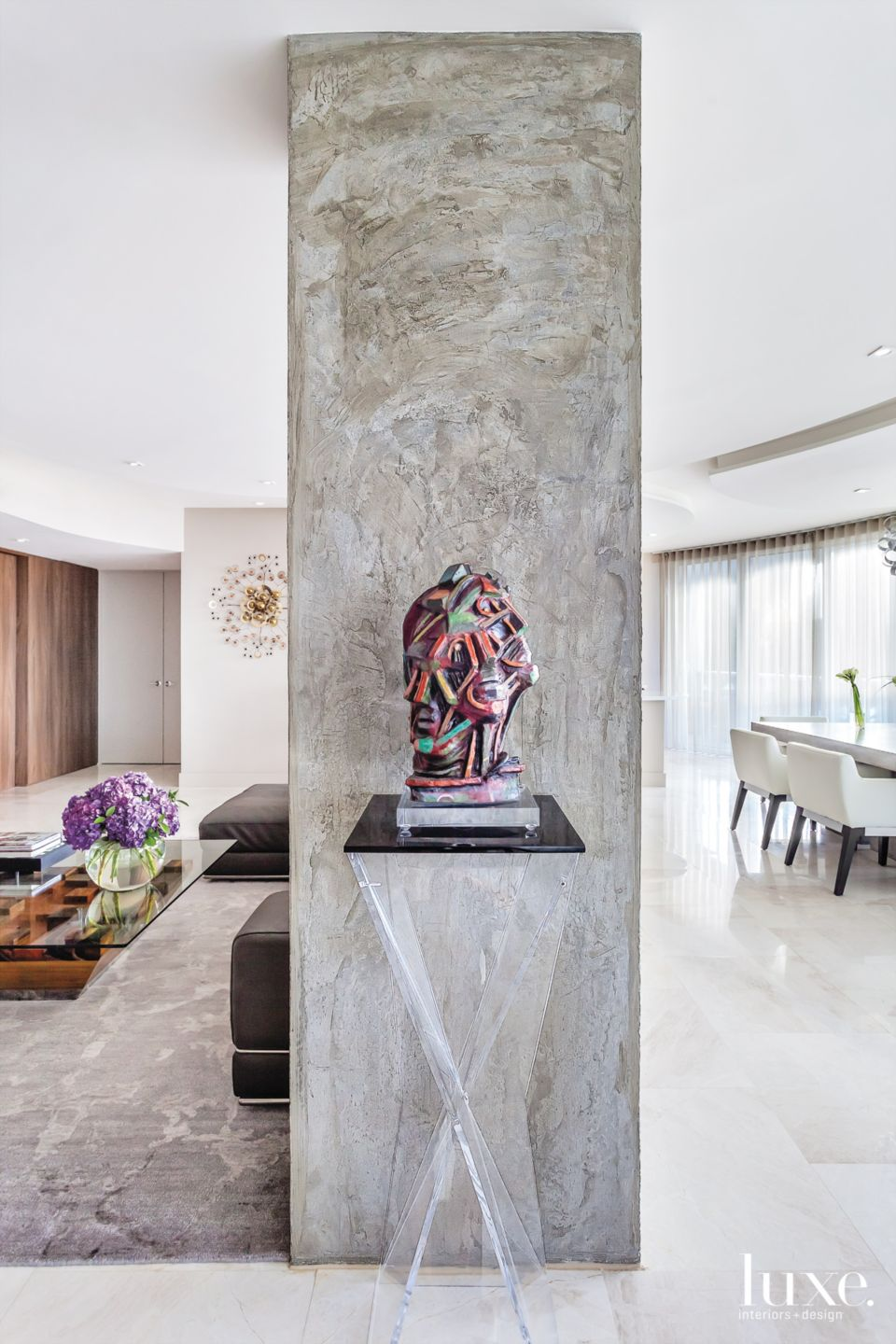 Industrial Accents in a Fort Lauderdale Condo