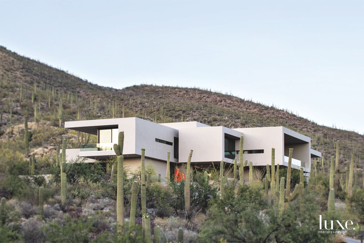 Contemporary, Hillside Home in Tucson