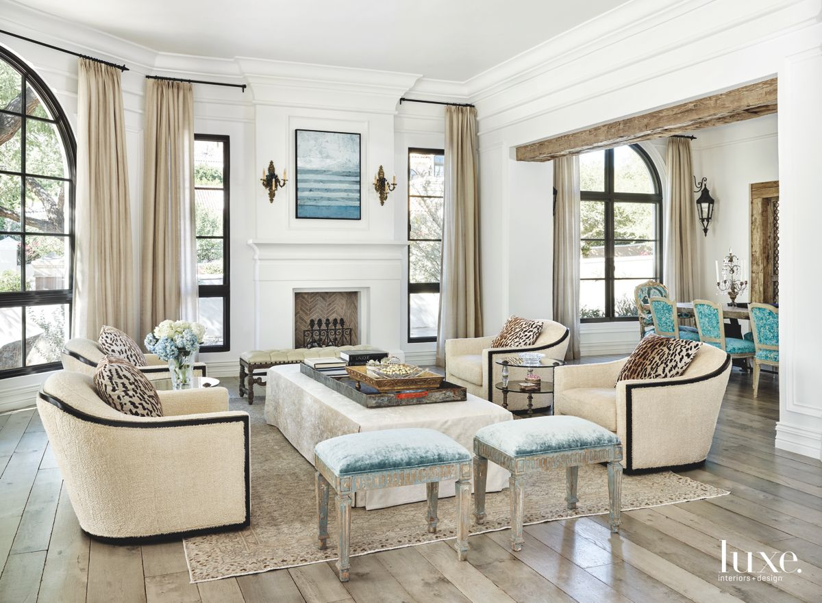 Fashionable Living Room in Paradise Valley