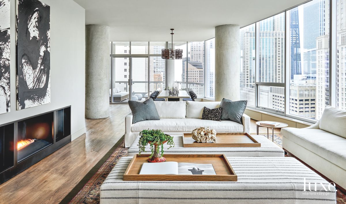 Seating Abounds in Contemporary Chicago Condo