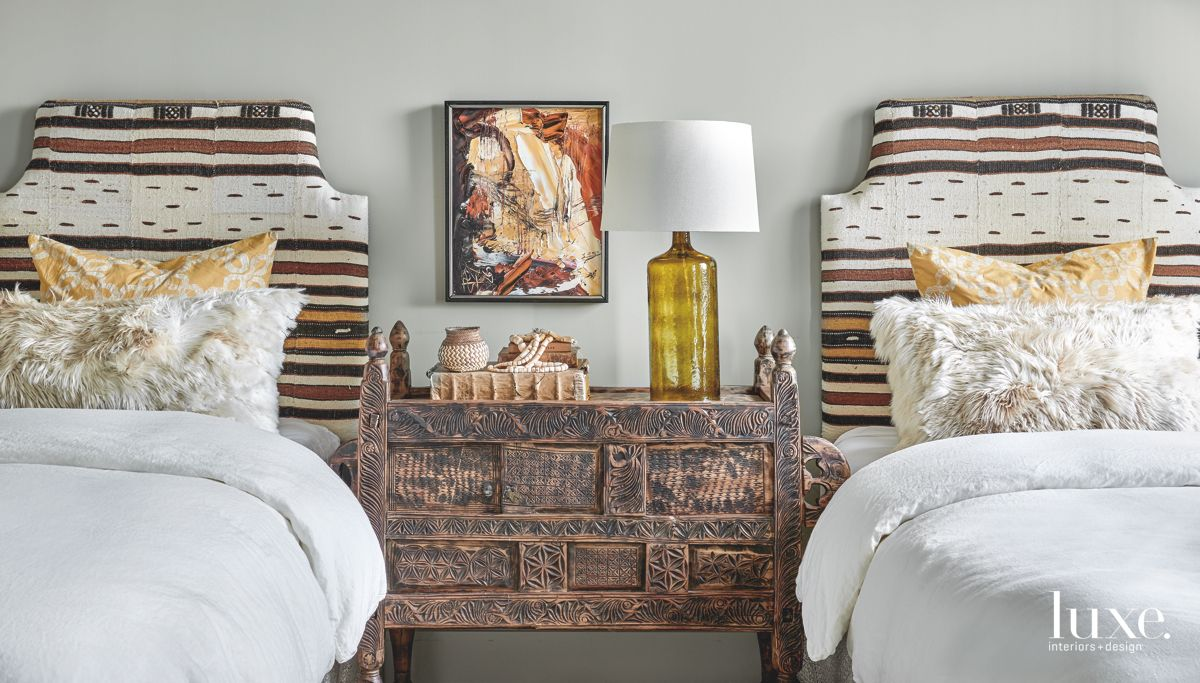 Global Touches in Contemporary Chicago Guest room
