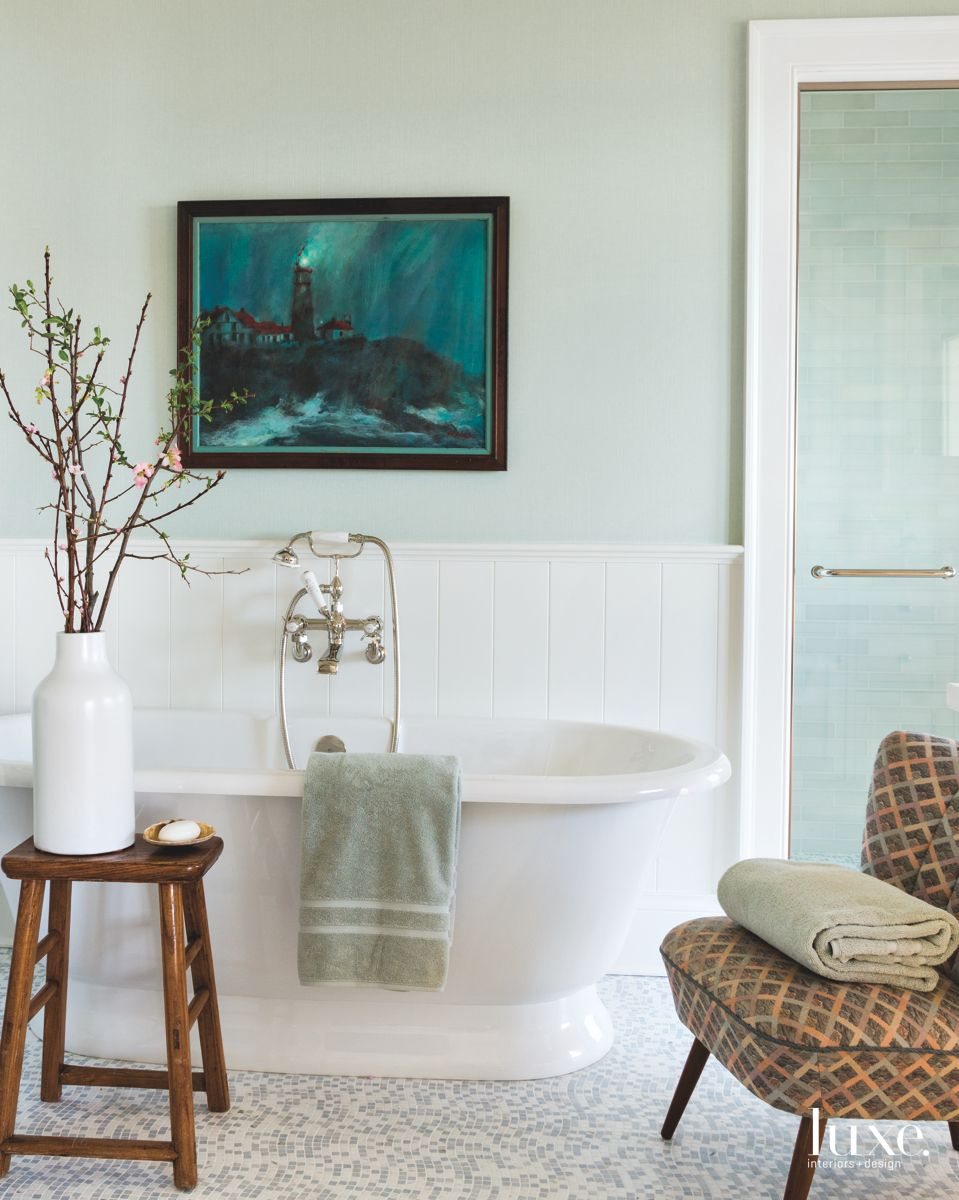 Traditional Beach Vibe Bathroom in Shelter Island Home
