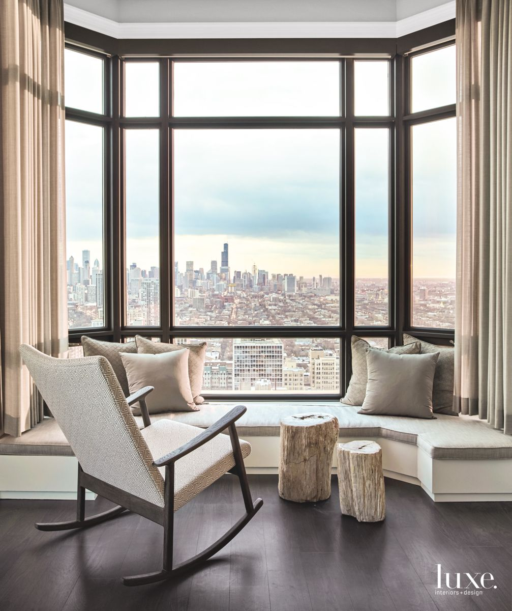 Chicago Sitting Area with Amazing City Views