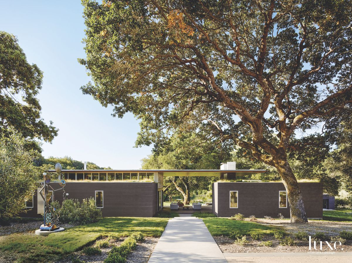 Modernist Sonoma Home Blurs Inside and Out