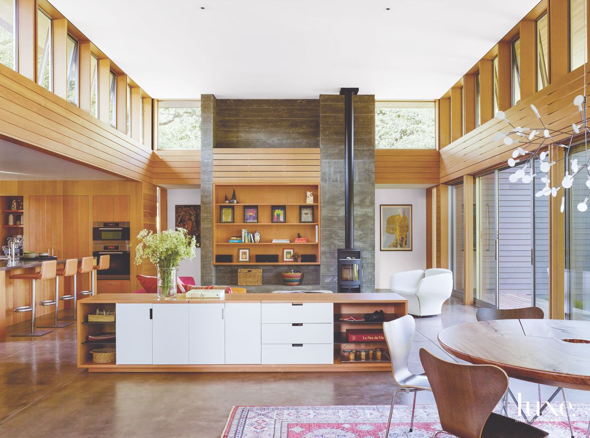 Clerestory Windows Bring the Outdoors Into Modern Sonoma Great Room