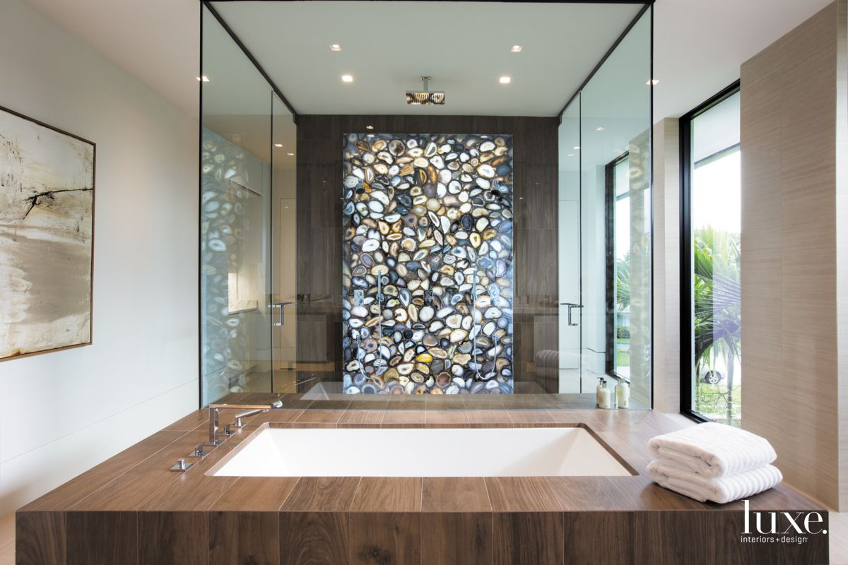 Agate Wall In Shimmering Fort Lauderdale Master Bathroom