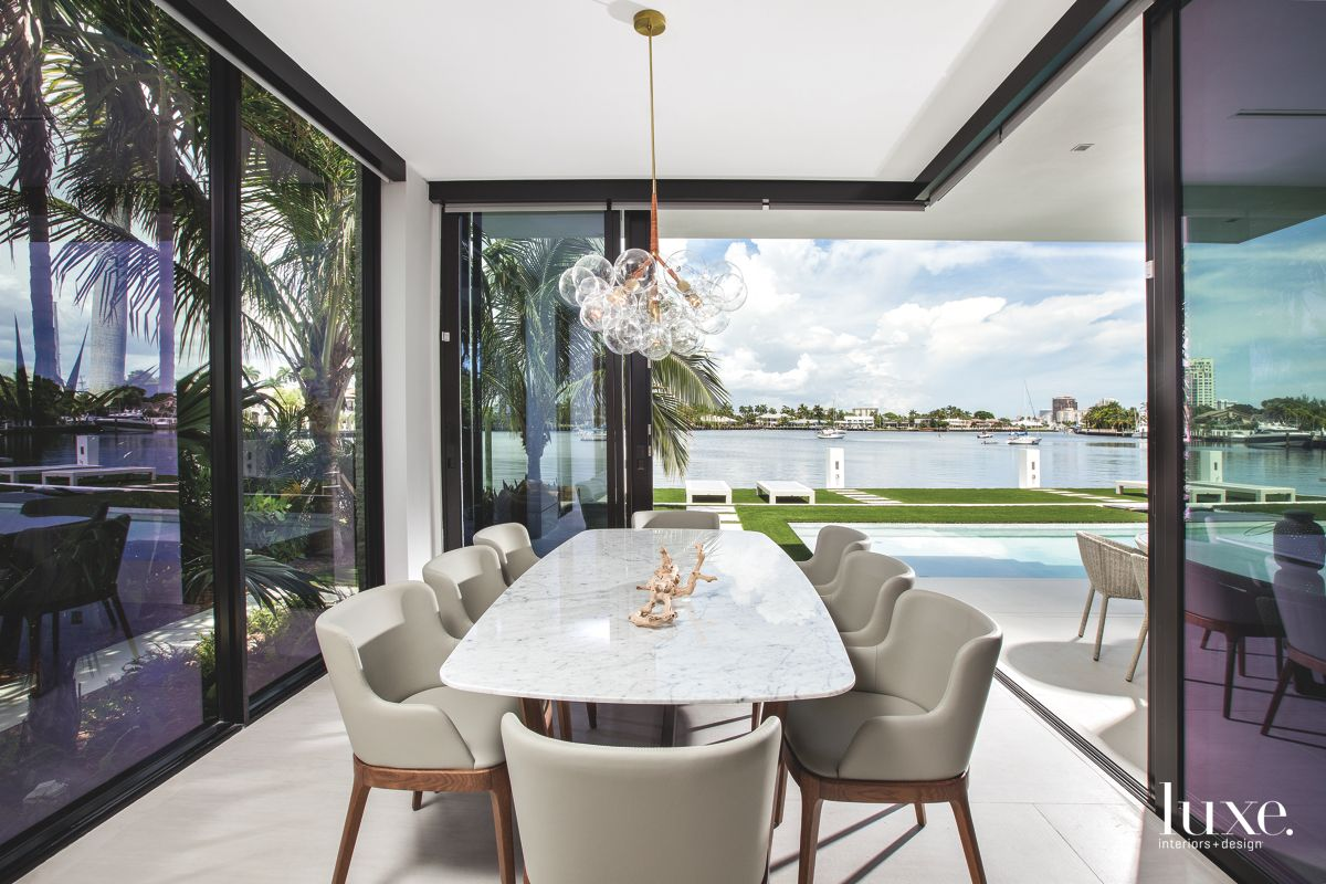Contemporary Breakfast Room With Amazing Views on the Intracoastal in Fort Lauderdale