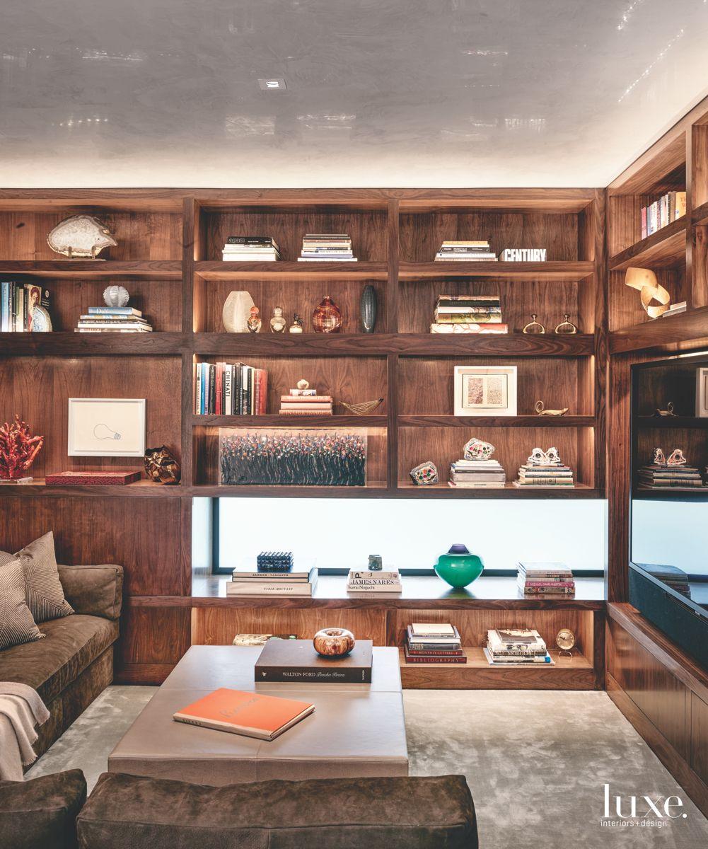 Wooden Panels and Built-In Shelves in Modern San Antonio Den