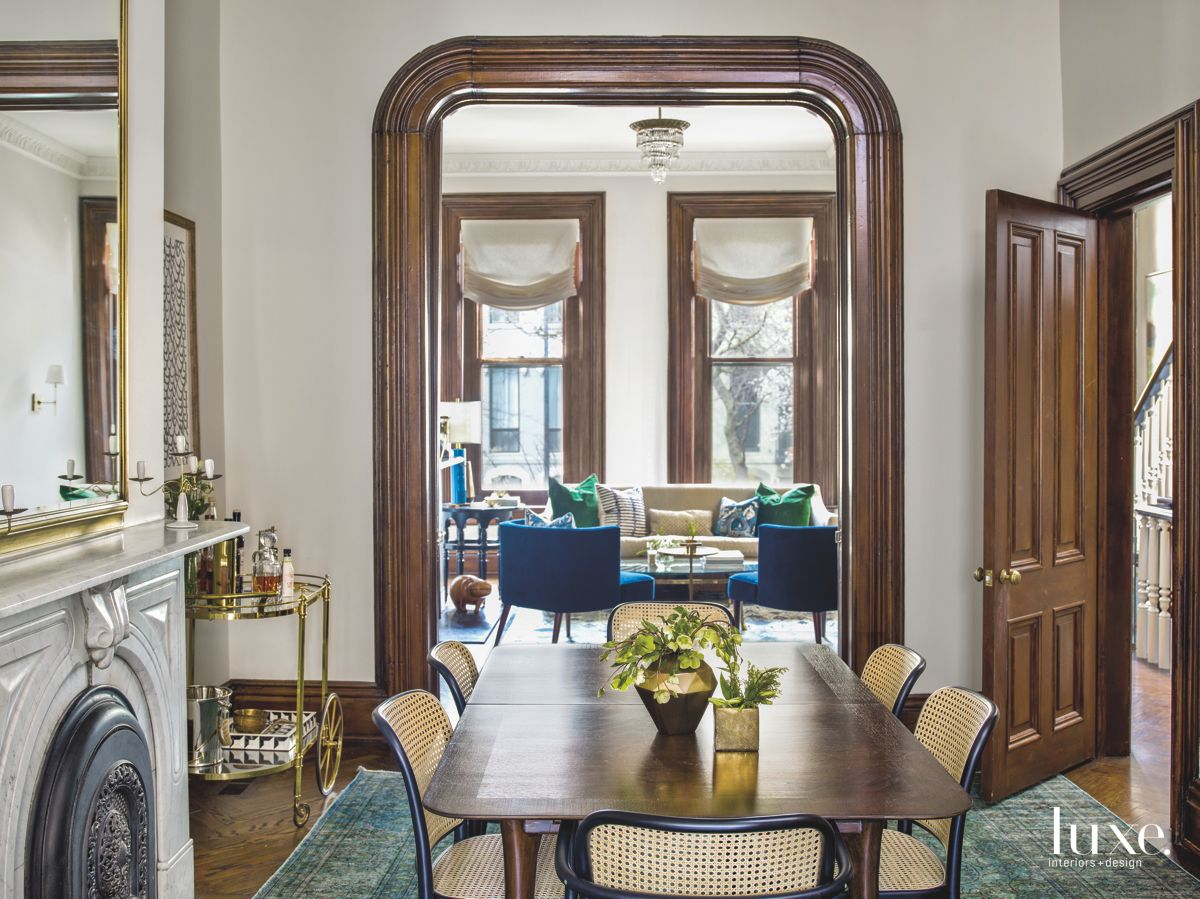 Midcentury Modern Adds Balance to Elegant Chicago Row Home