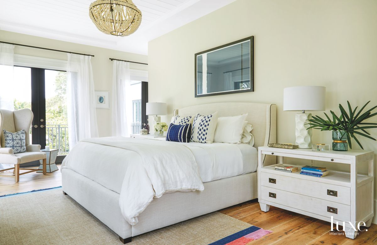 Miami Bedroom Boasts a Casual Air Thanks to Wooden-Beaded Chadelier