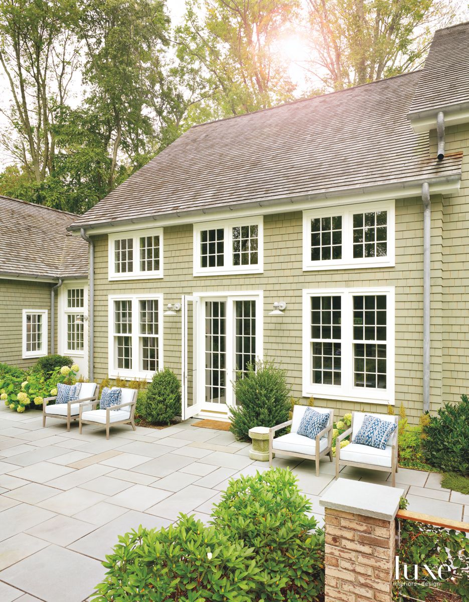 Bluestone Patio Lets the Family Feel As If They Are in Nature