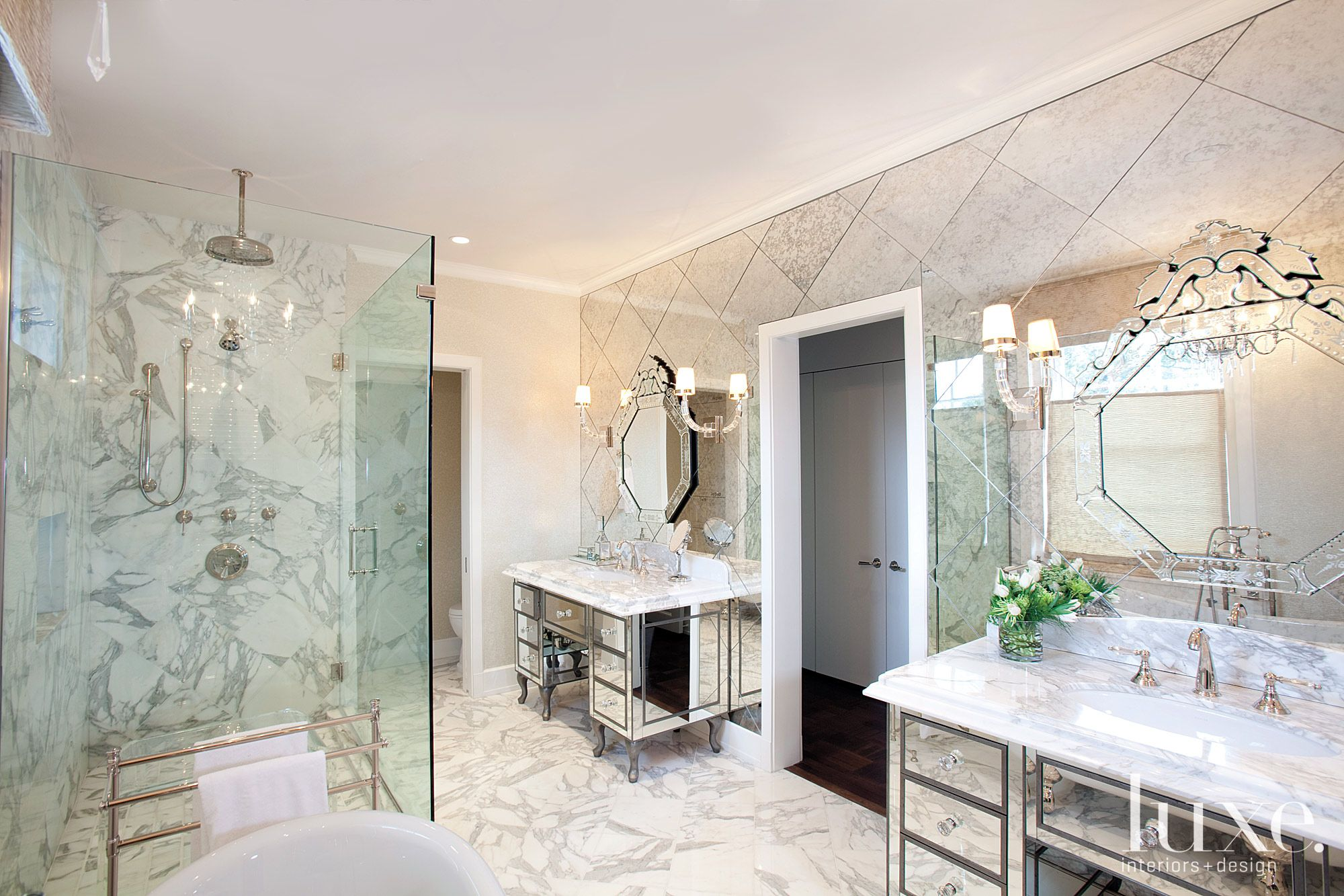 Traditional Mirrored Master Bath