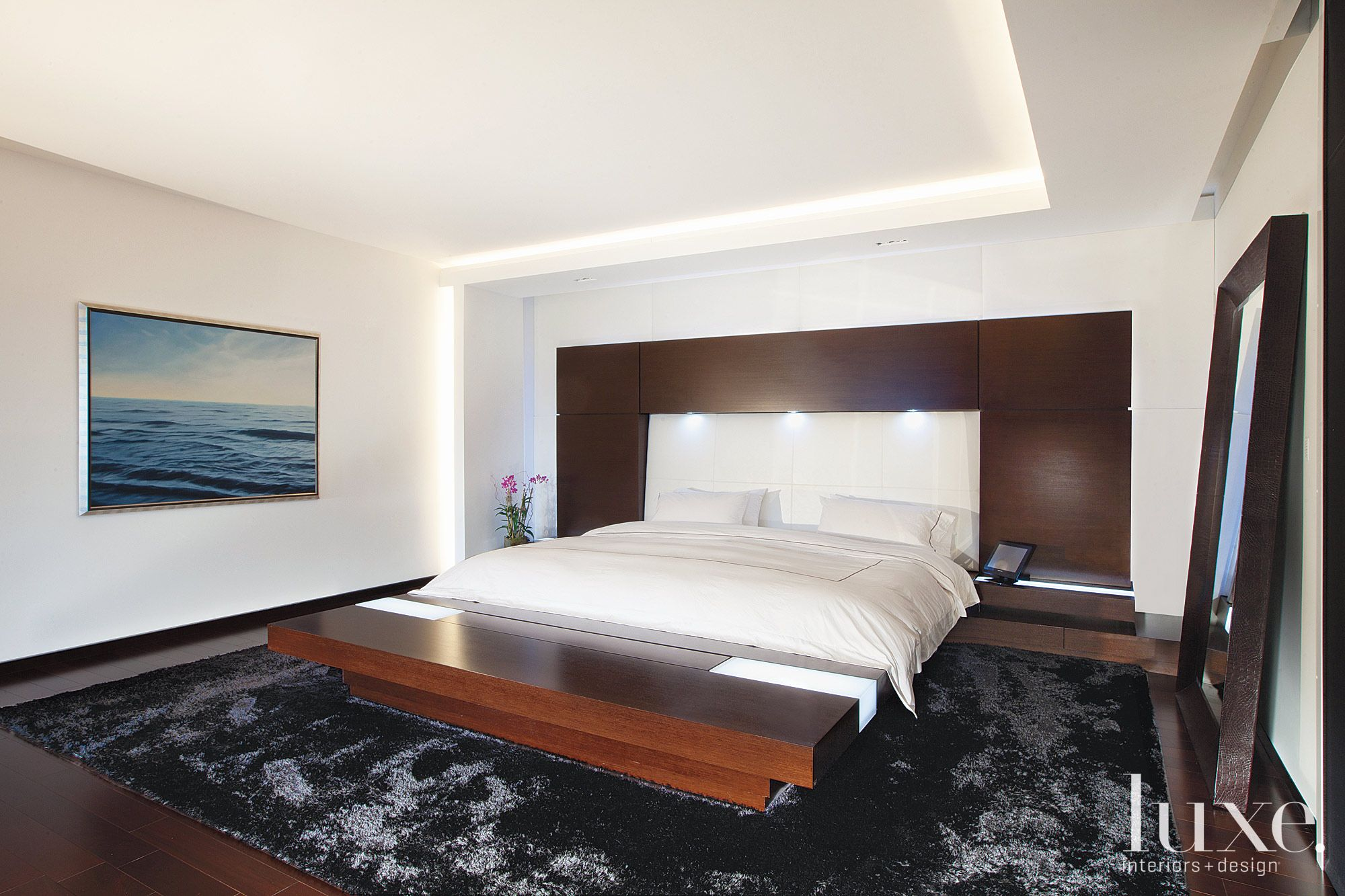 Extra Large Platform Bed In Master Bedroom Luxe Interiors Design