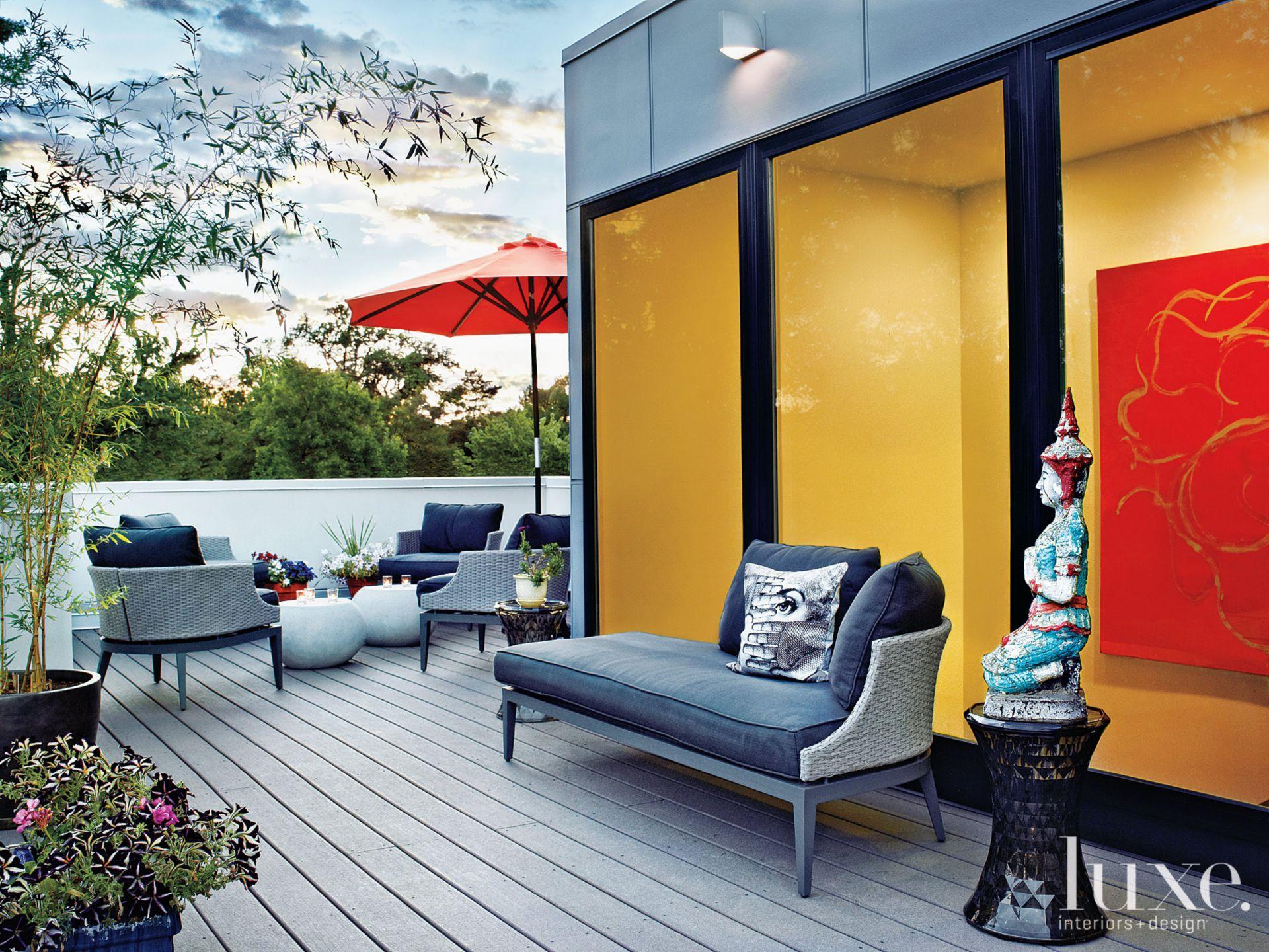 Neutral Modern Patio with Vegetable Garden