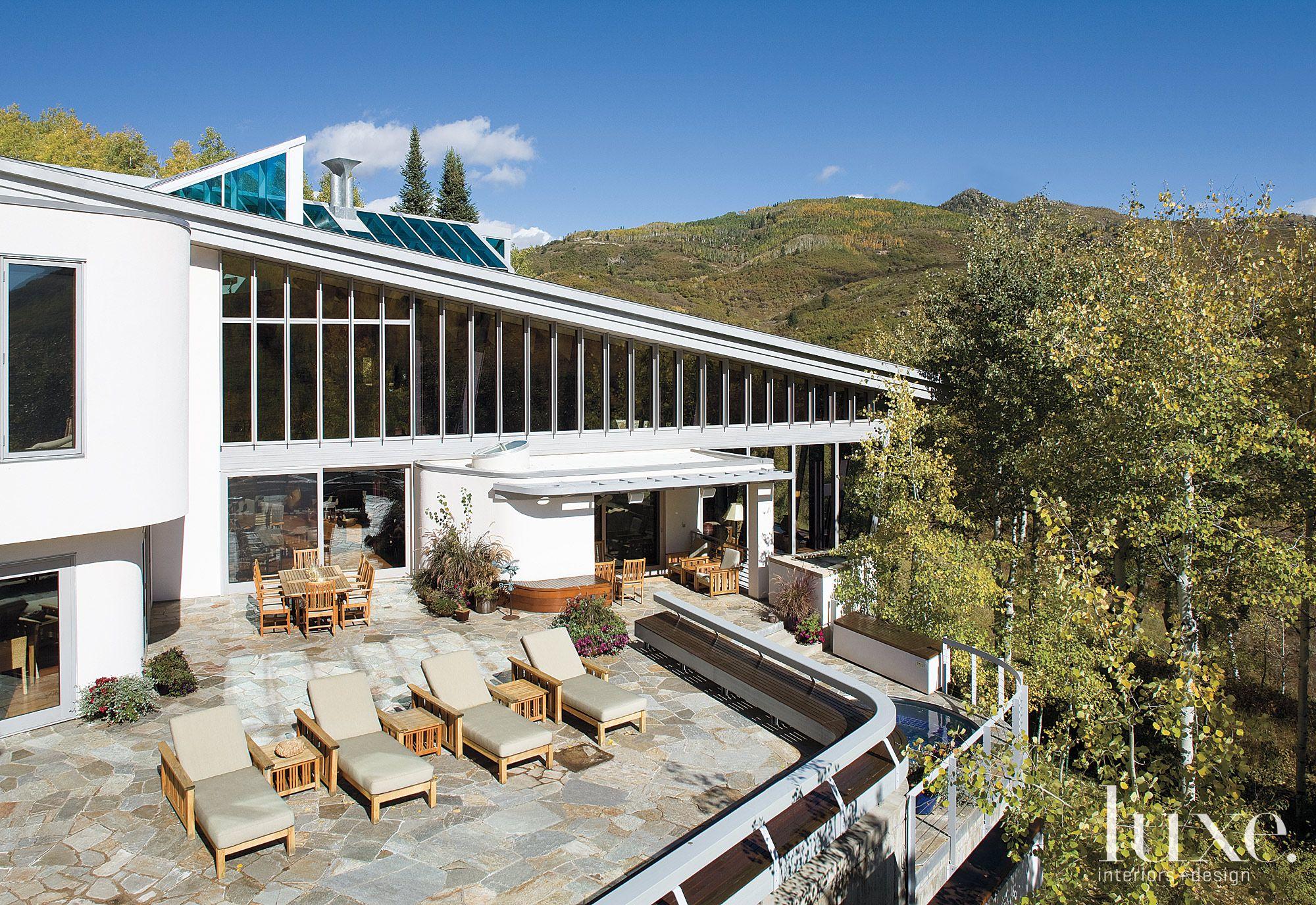 White Mountain Home Outdoor Lounge Area