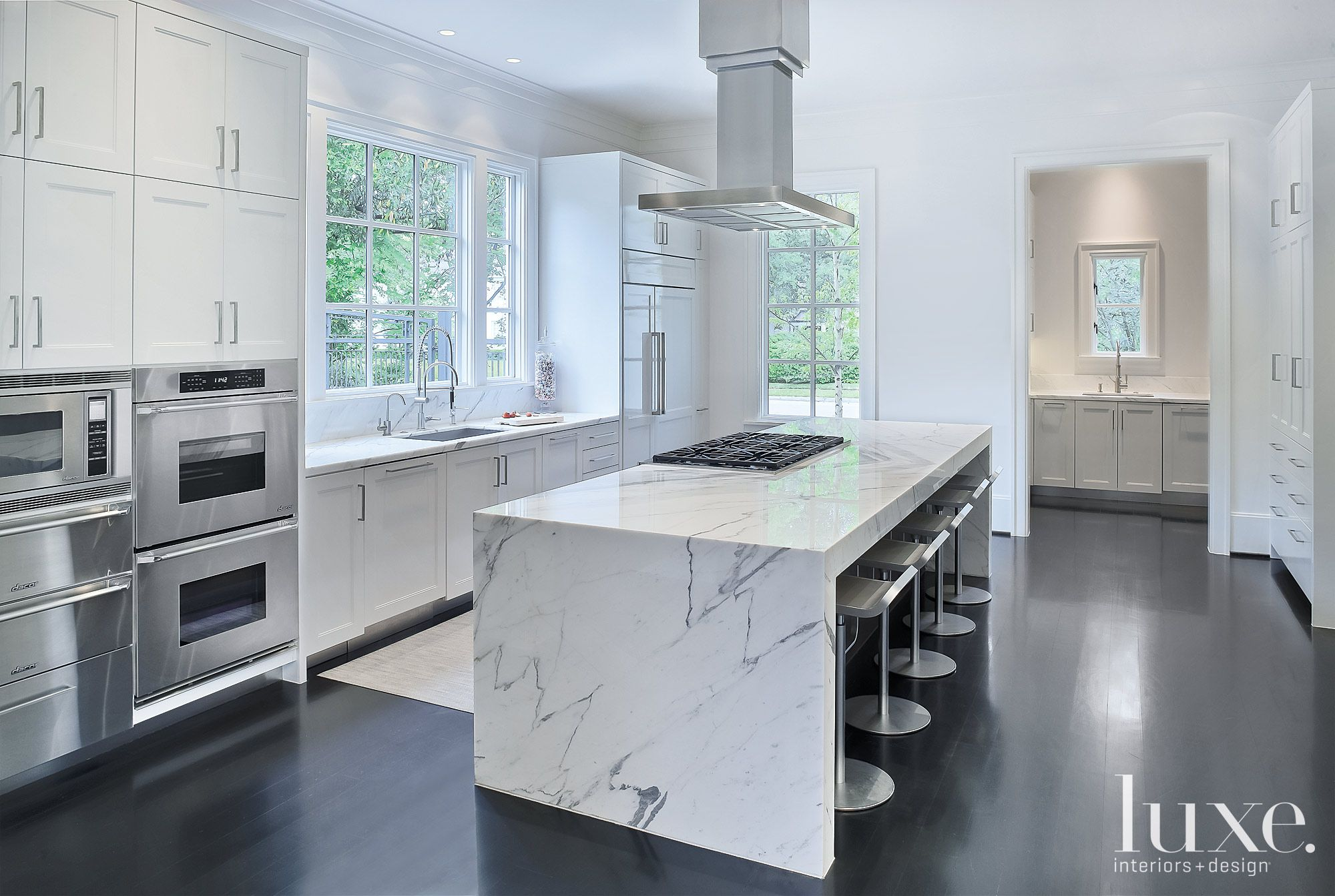 White and Black Modern Kitchen