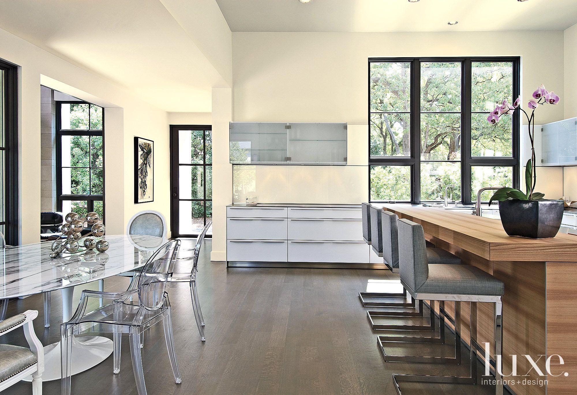 Transitional Kitchen Breakfast Area