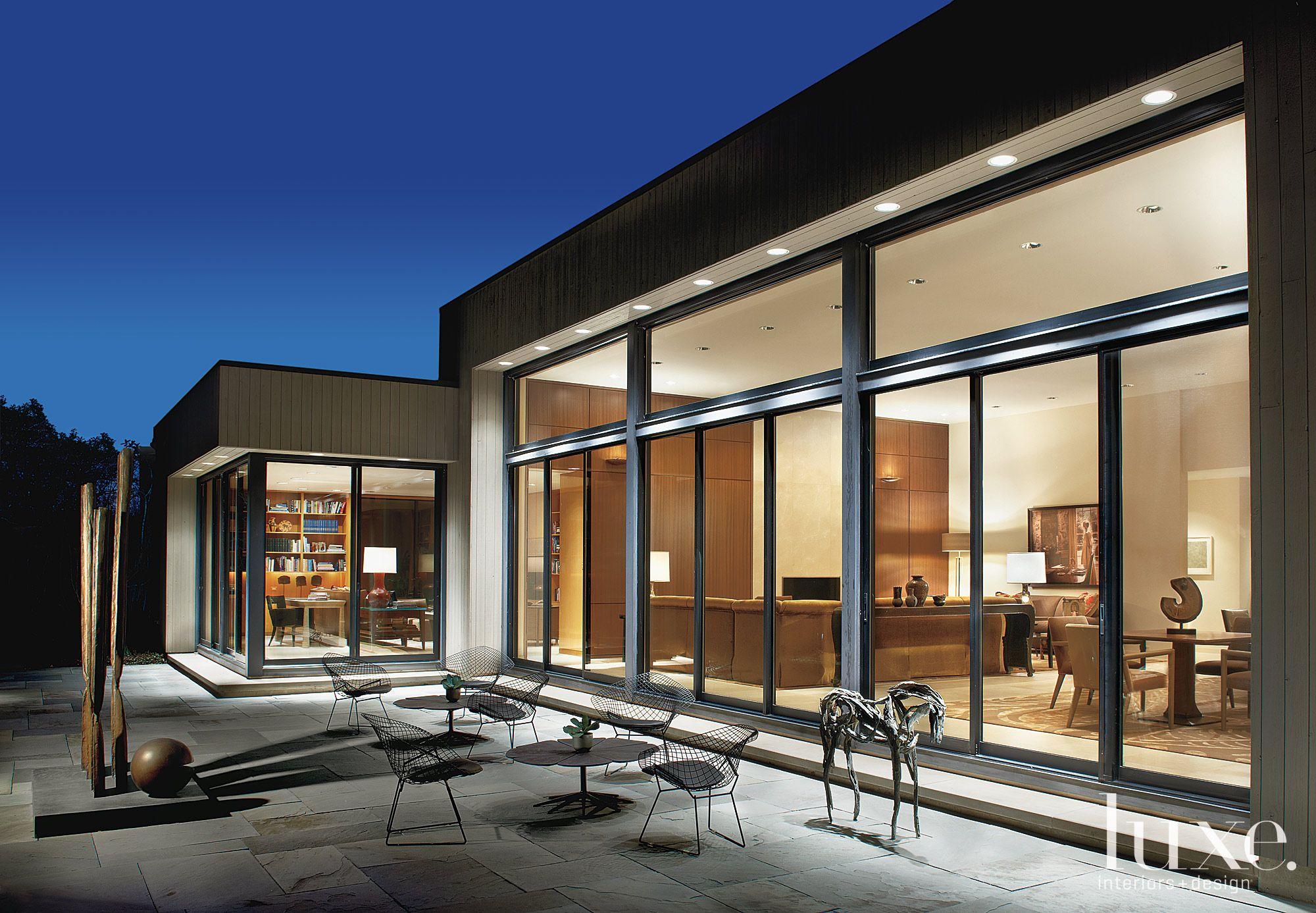 Modern Flat Roof Exterior Patio