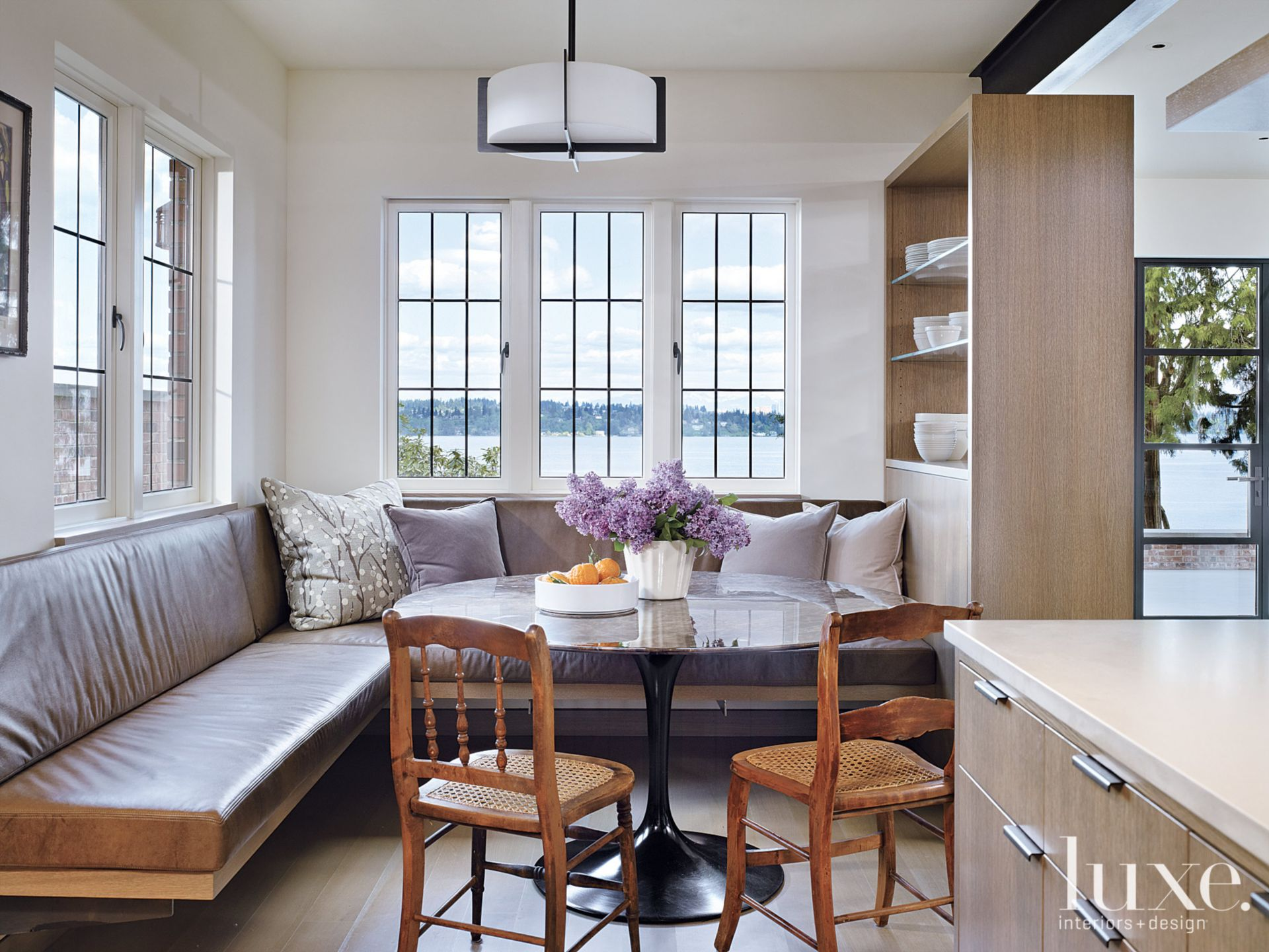 Contemporary White Breakfast Nook with Banquette Seating
