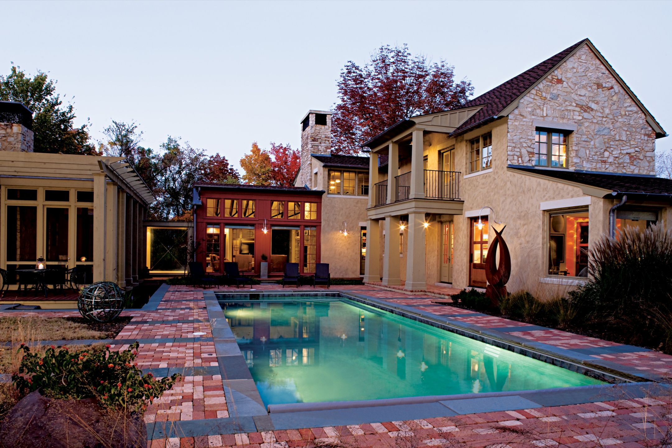 Country Neutral Courtyard with Flared Columns