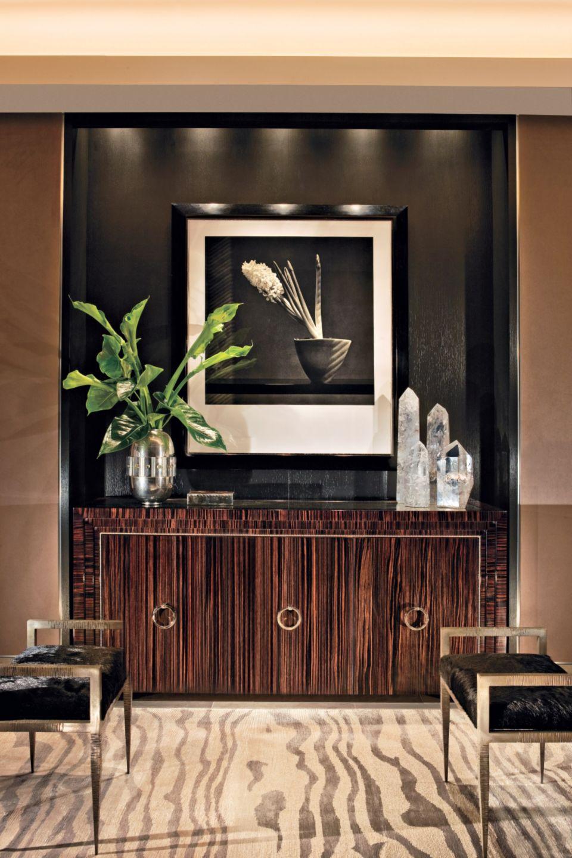 Private Contemporary Foyer
