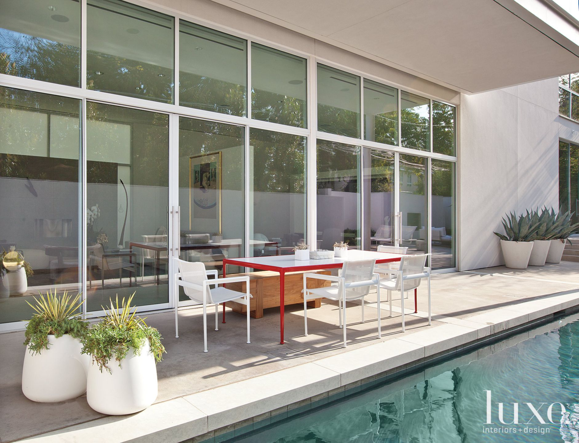 Simple Modern Private Courtyard