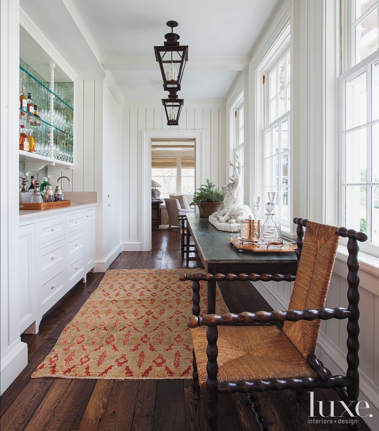 Traditional Country Butler's Pantry