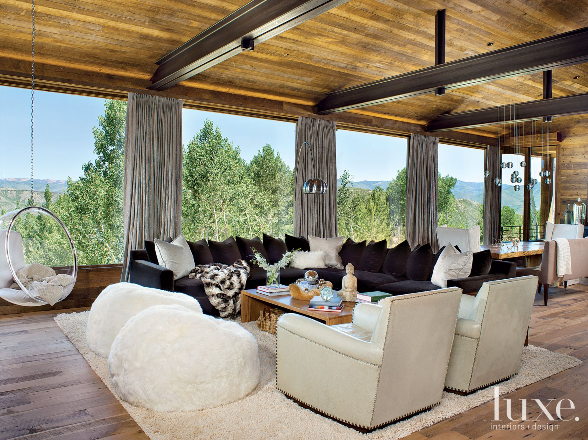 Mountain Neutral Great Room with Expansive Mountain Views