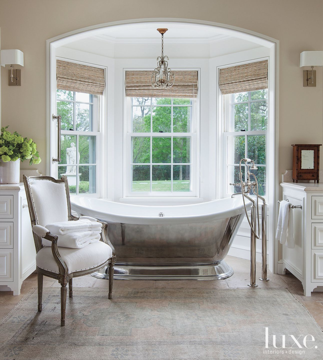 Traditional Country Master Bathroom