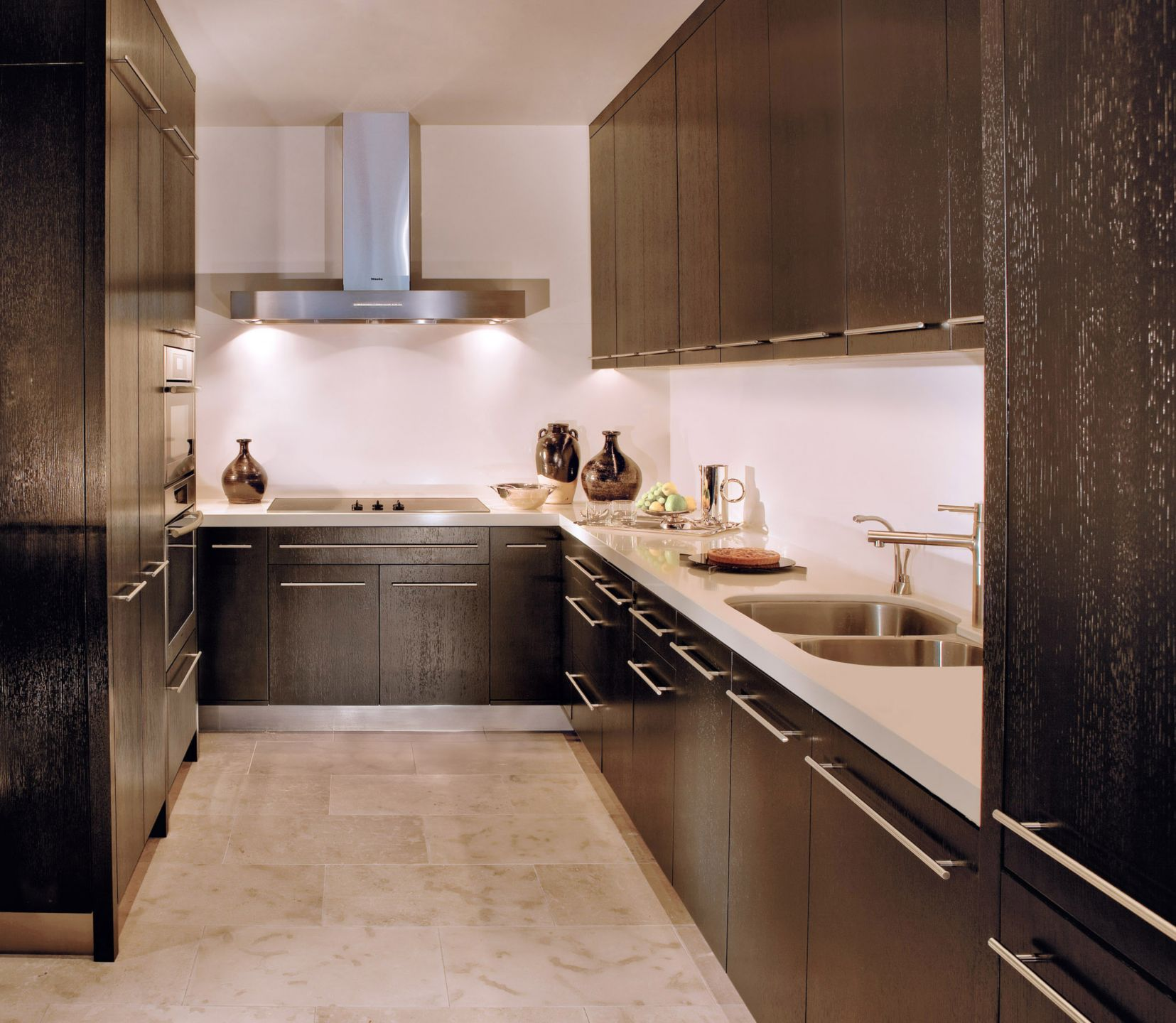 Modern Neutral Kitchen with Rift Oak