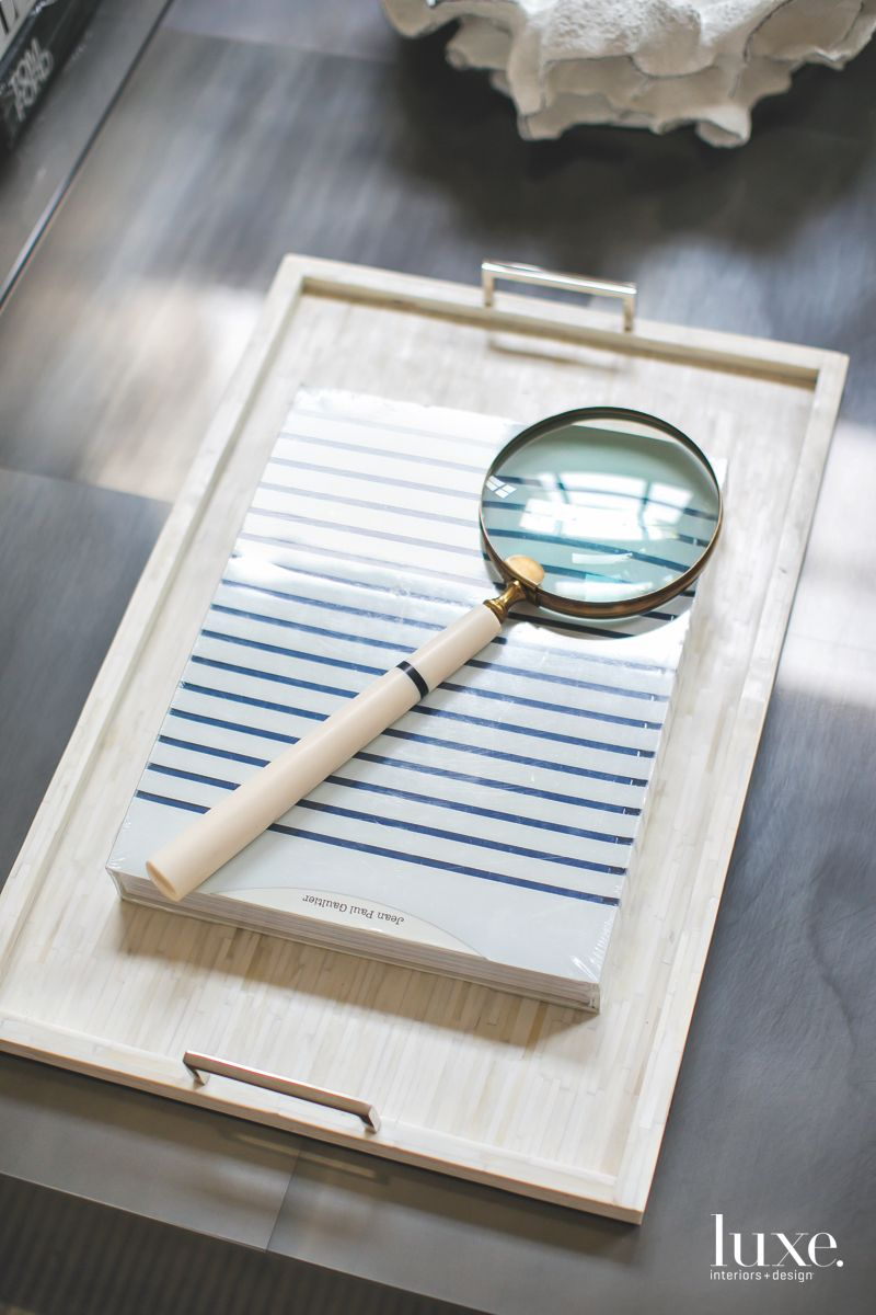 Magnifying Glass and Tray Great Room Close Up