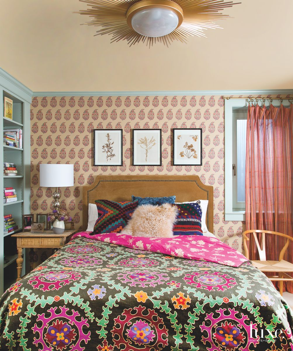 Sunburst Guest Bedroom with Vibrant Style