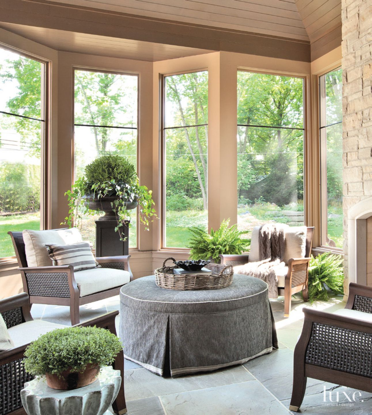 Contemporary Neutral Patio with Bay Window