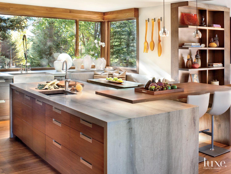 Neutral Mountain Kitchen with Sea Granite Island