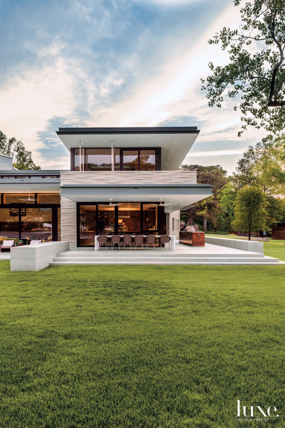 Modern Neutral Exterior with Outdoor Dining Room