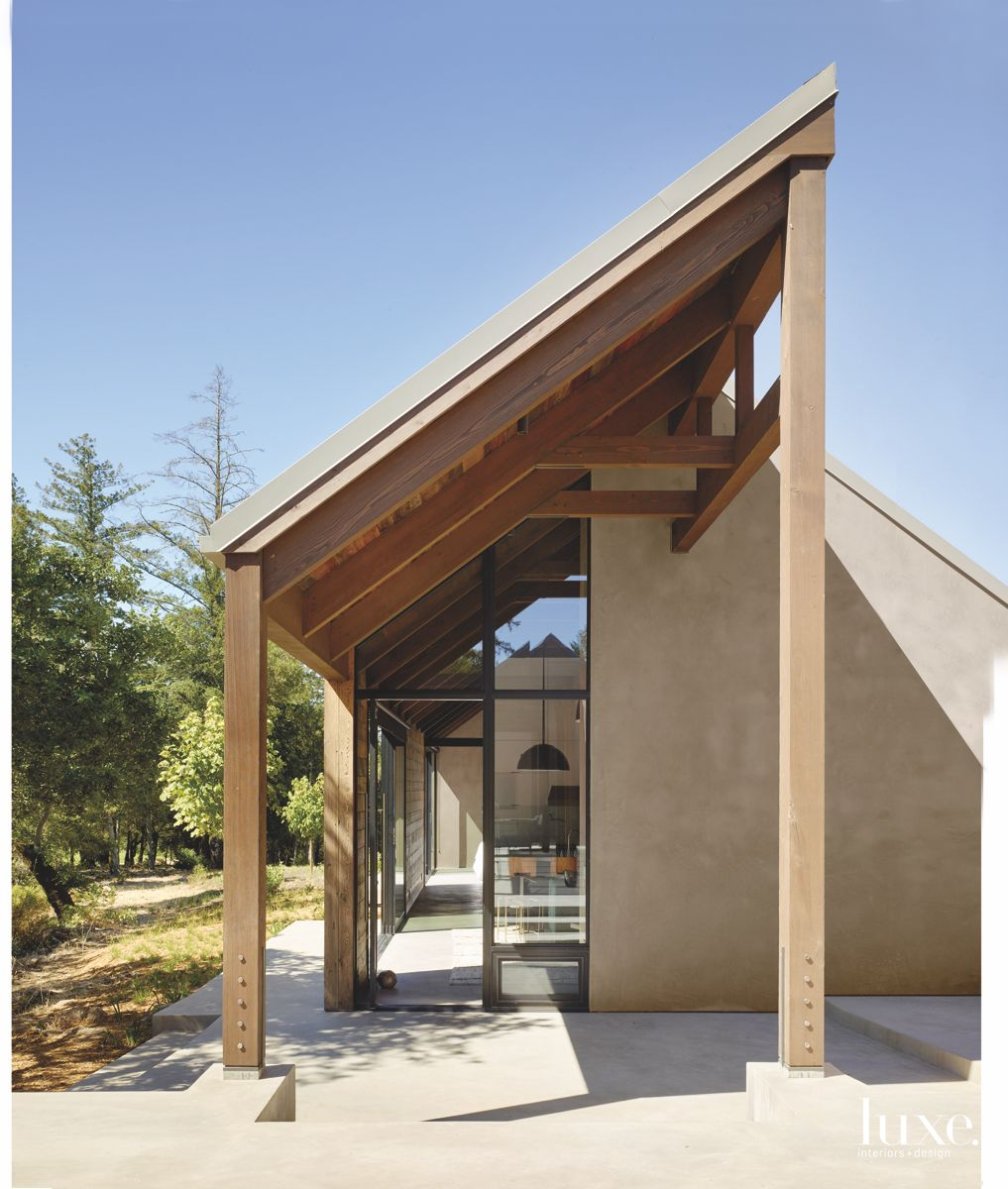 Contemporary Shady Wooden Eave Overhang