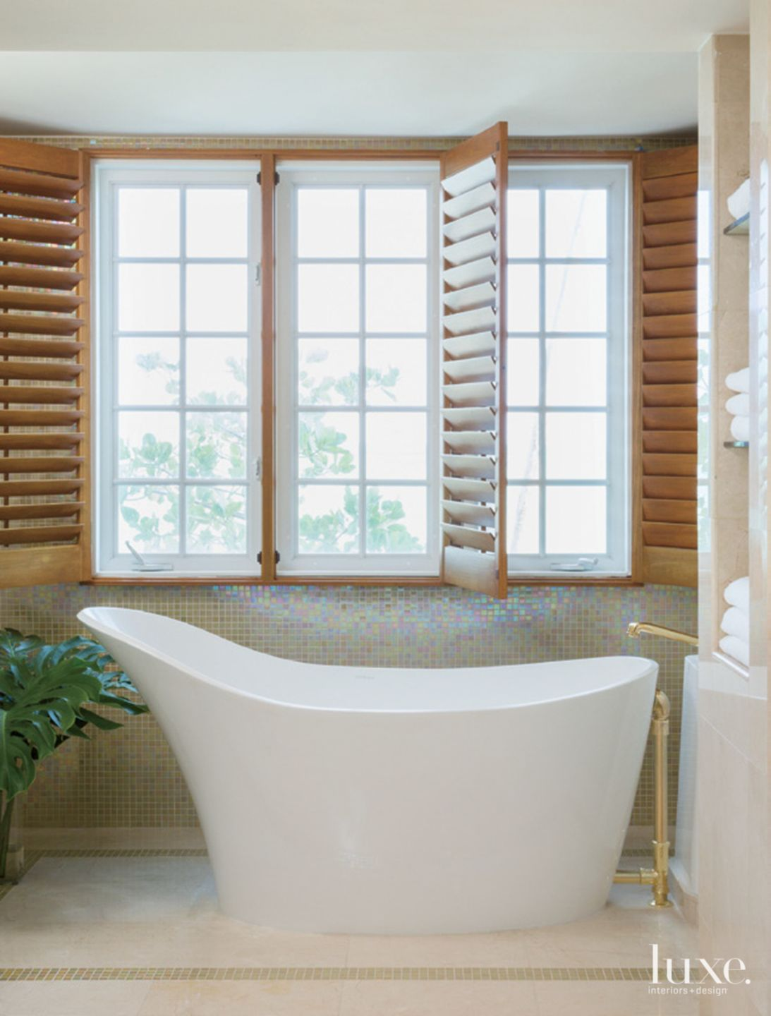 Transitional Neutral Bathroom with Mosaic Tile Walls