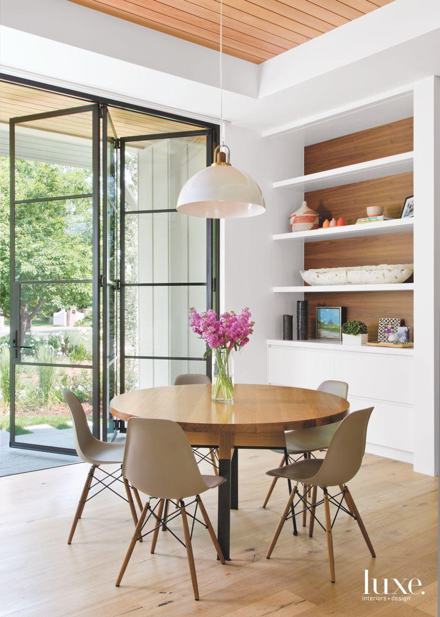 Quaint and Modern Breakfast Area