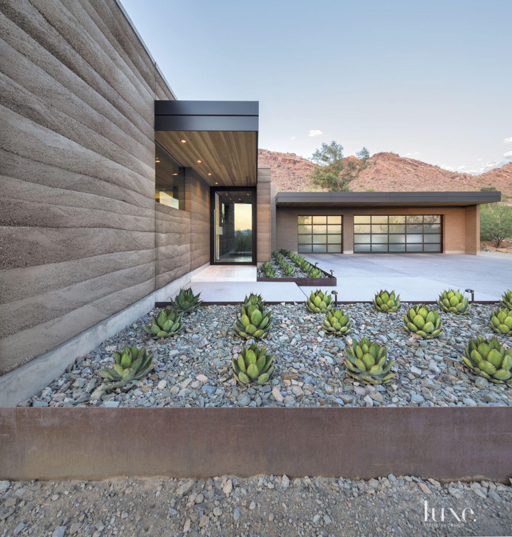 Modern Flat Roof Exterior Landscape