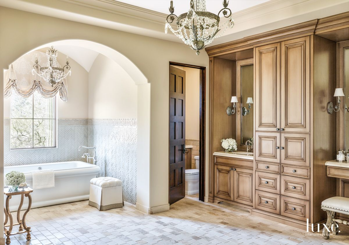 Traditional White Bathroom with Wall Tile Pattern