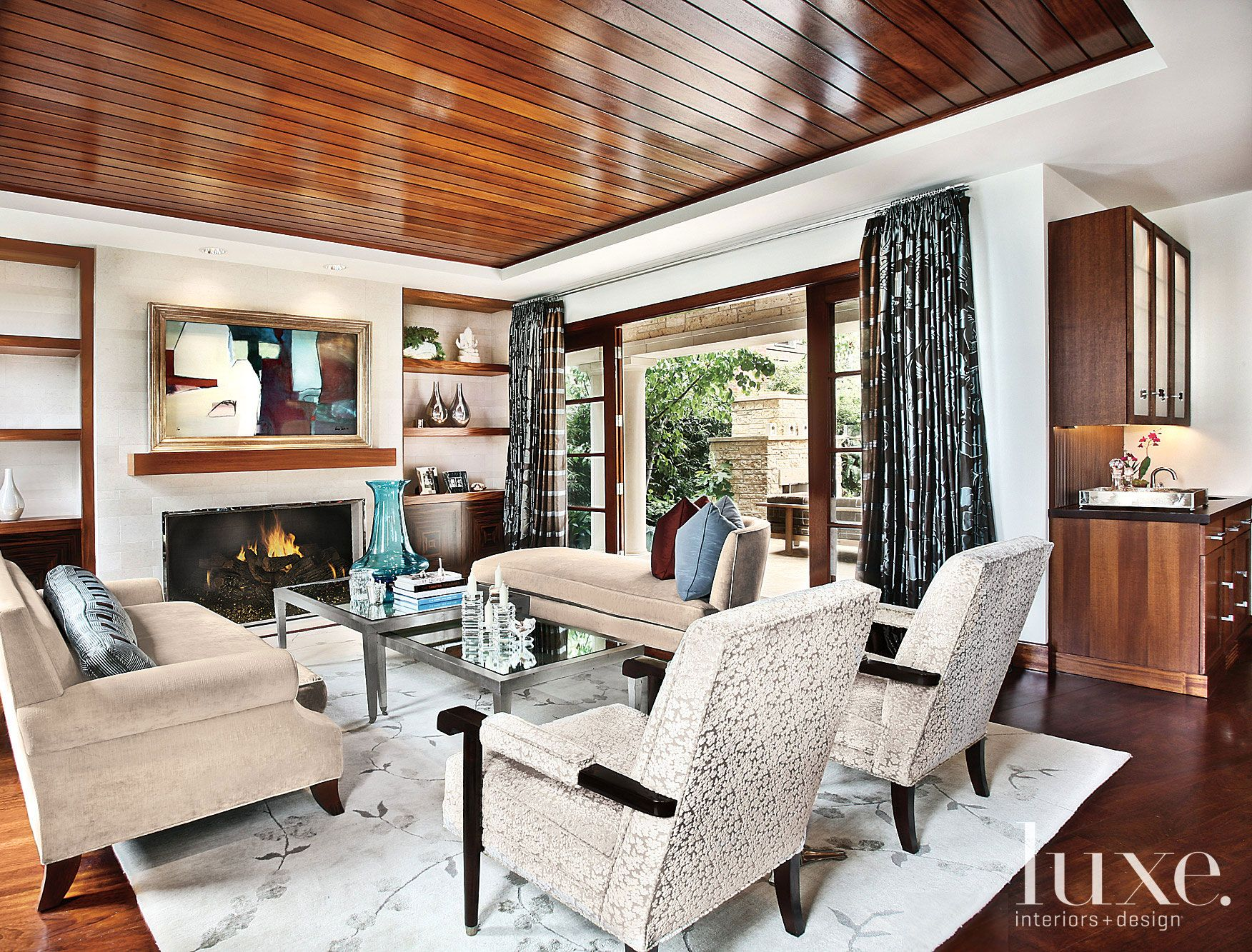 Contemporary White Living Room with Mahogany-Paneled Ceiling