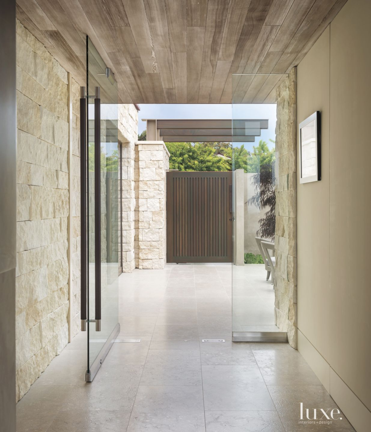 Modern Neutral Limestone Entry