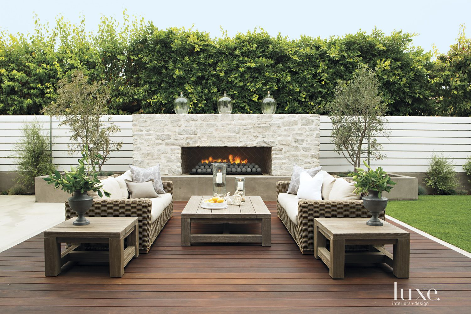 Contemporary Outdoor Living Space