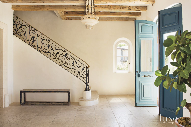 Contemporary Cream Venetian Plaster Entry