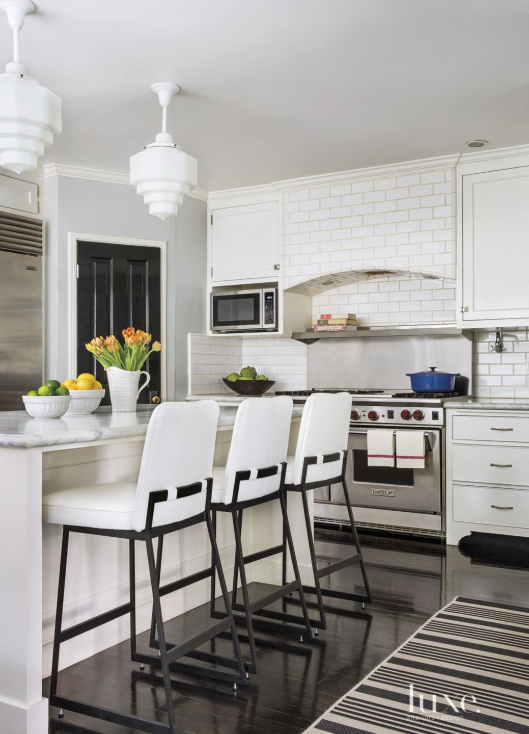 Contemporary Black-and-White Kitchen