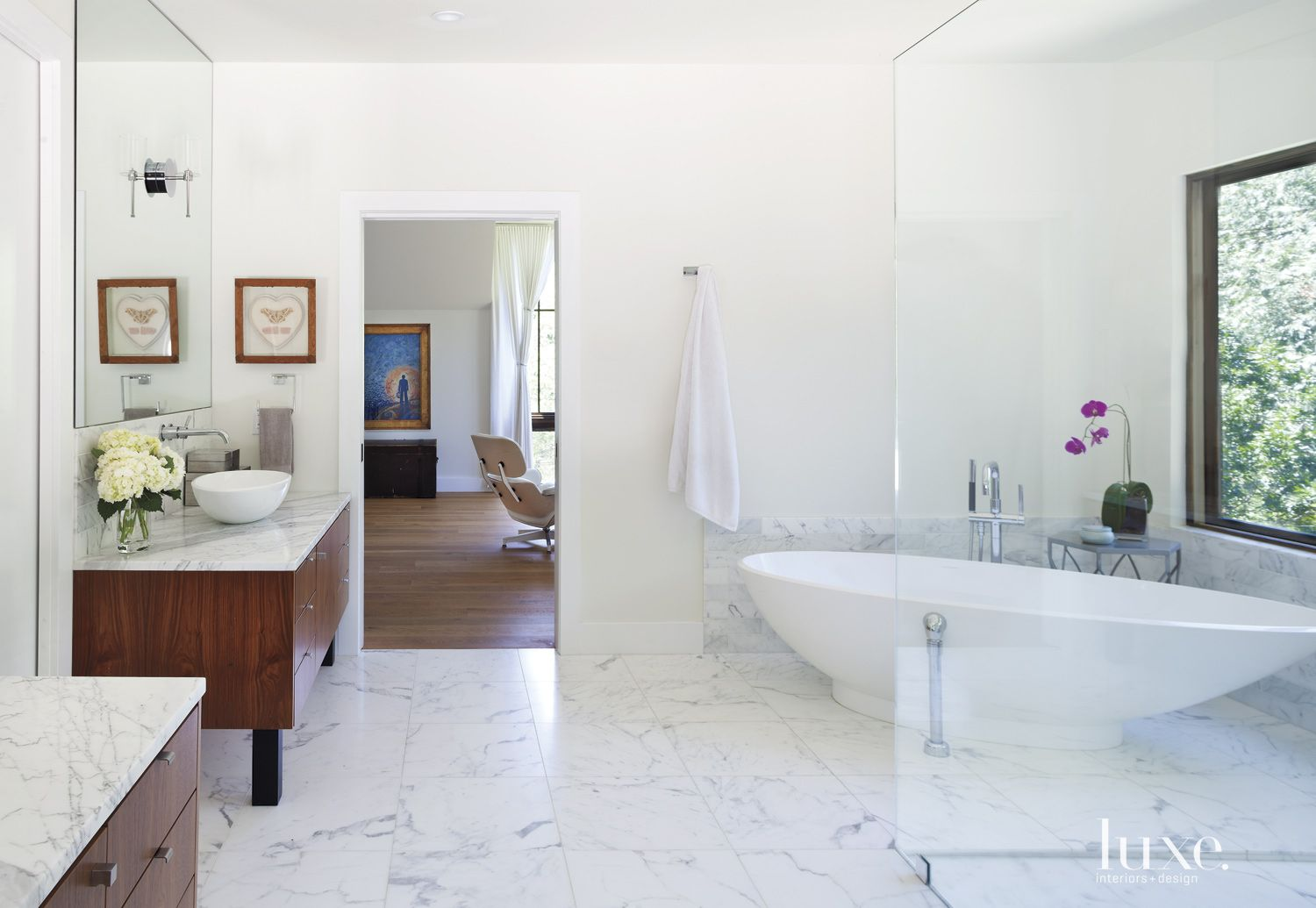 Contemporary Neutral Bathroom with Tub