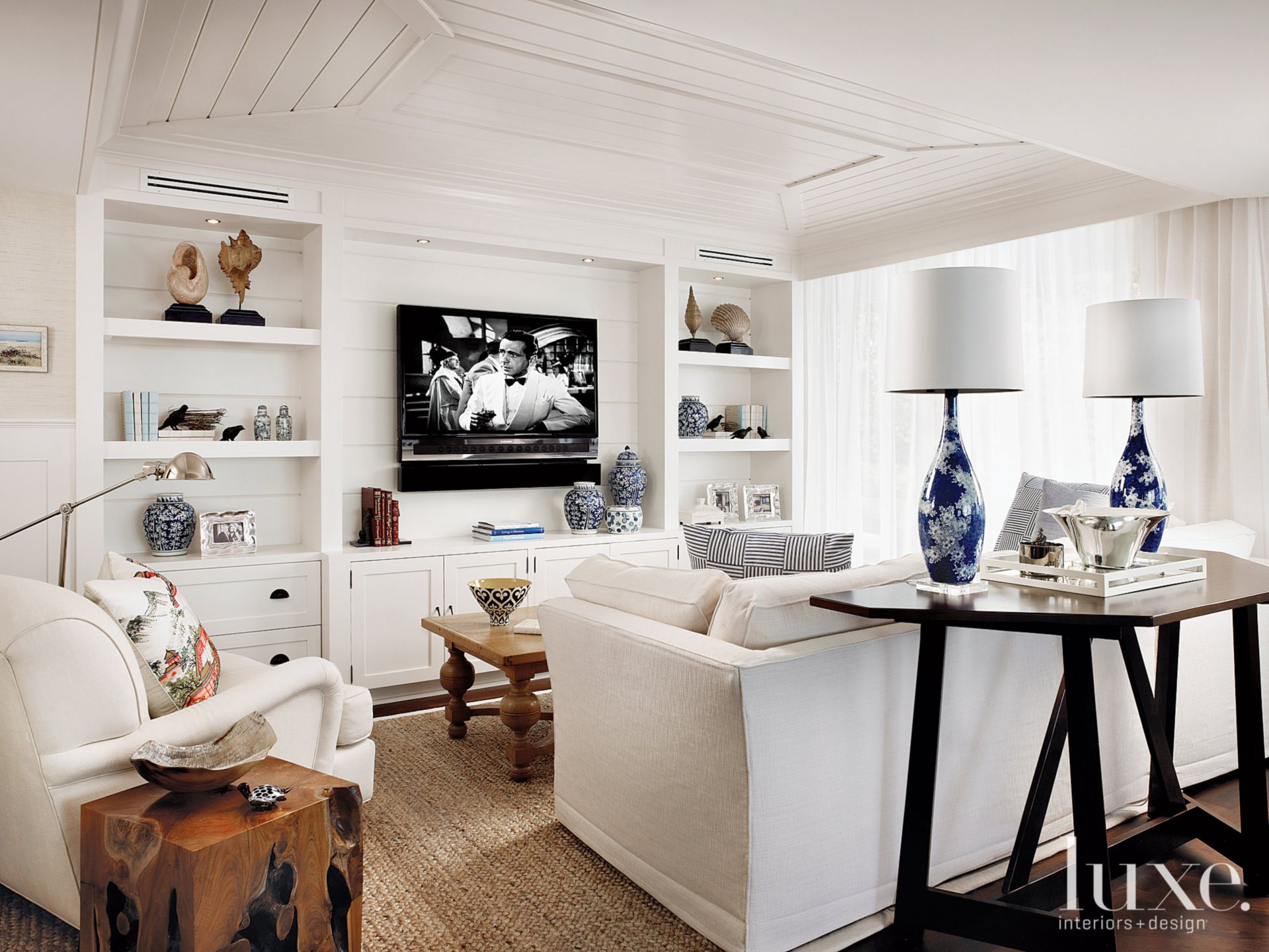 Contemporary White Den with Porcelain Lamps