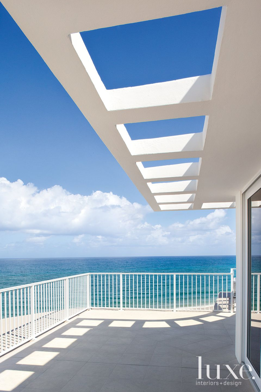 Modern White Balcony Overhang
