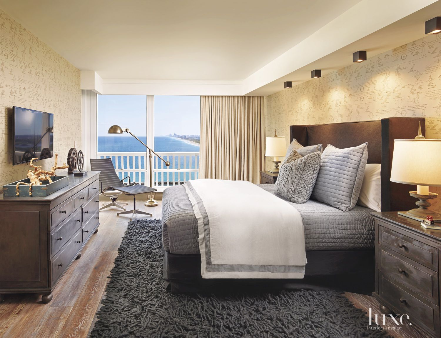 Eclectic Neutral Bedroom with Shag Rug